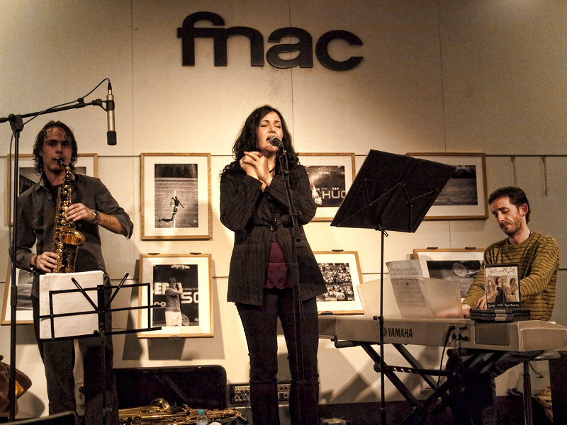 Jazztease in their groove