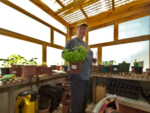 Working in the greenhouse (photo by Imagenary)